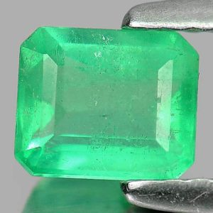 Smaragd 0.63 ct s certifikátem